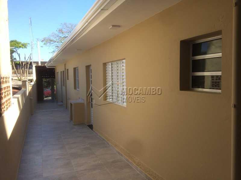 Corredor lateral - Casa Itatiba,Parque São Francisco,SP À Venda,2 Quartos,80m² - FCCA21020 - 3