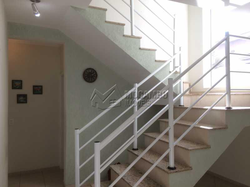Escadas acesso piso superior - Casa em Condomínio 3 quartos à venda Itatiba,SP - R$ 780.000 - FCCN30342 - 6