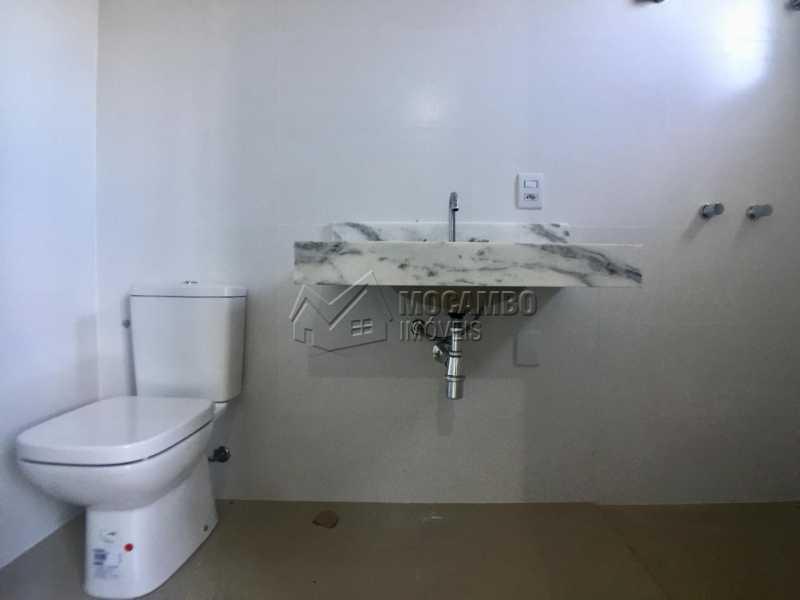 Banheiro  - Casa À Venda no Condomínio Itatiba Country Club - Residencial Fazenda Serrinha - Itatiba - SP - FCCN30343 - 14