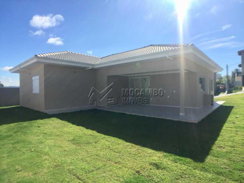 Quintal  - Casa À Venda no Condomínio Itatiba Country Club - Residencial Fazenda Serrinha - Itatiba - SP - FCCN30343 - 6