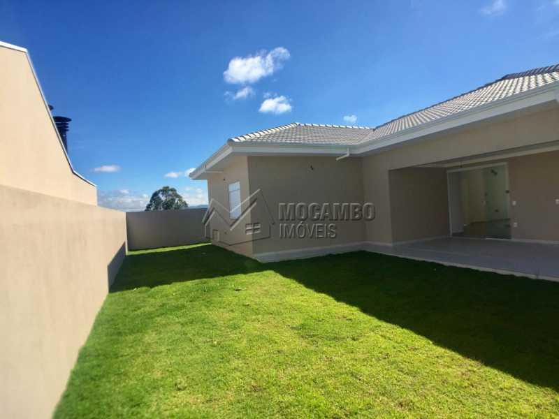 Quintal  - Casa À Venda no Condomínio Itatiba Country Club - Residencial Fazenda Serrinha - Itatiba - SP - FCCN30343 - 4