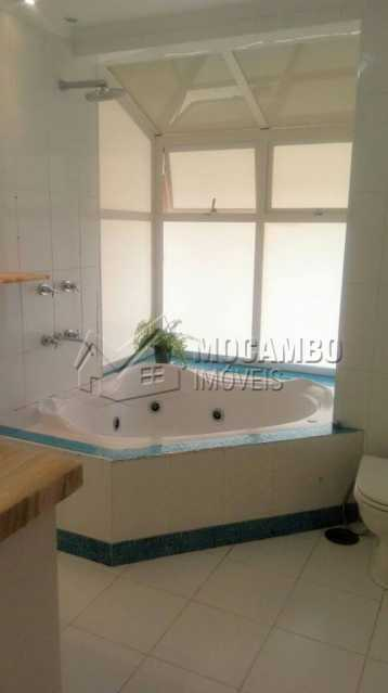 Banheira da Suite - Casa em Condominio À Venda - Itatiba - SP - Ville Chamonix - FCCN30344 - 13