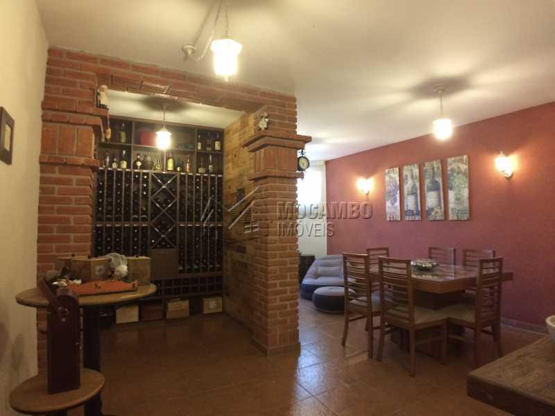 Adega climatizada - Casa À Venda no Condomínio Terras de Santa Cruz - Jardim Alto de Santa Cruz - Itatiba - SP - FCCN30348 - 12