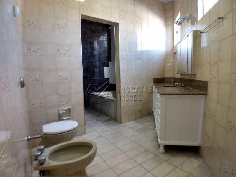 Banheiro Suíte 02 - Casa em Condominio Para Alugar - Itatiba - SP - Bairro do Engenho - FCCN40116 - 13