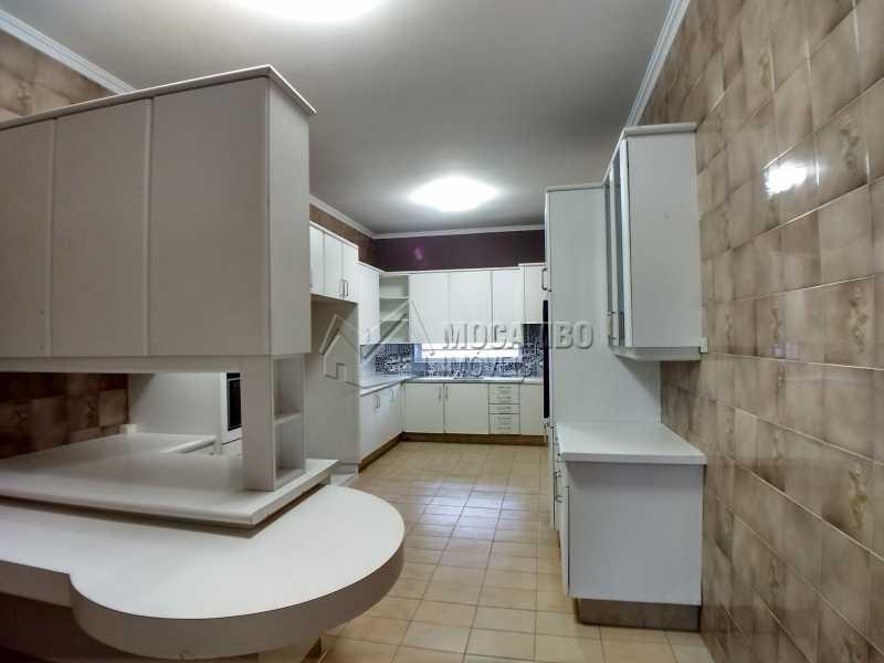 Cozinha - Casa em Condominio Para Alugar - Itatiba - SP - Bairro do Engenho - FCCN40116 - 9