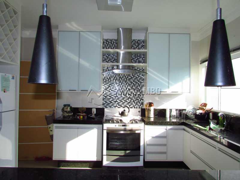 Cozinha - Casa em Condominio Para Venda ou Aluguel - Itatiba - SP - Residencial Fazenda Serrinha - FCCN30355 - 14