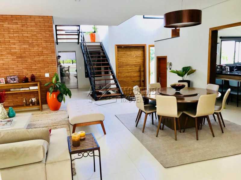 Sala  - Casa em Condomínio 4 Quartos À Venda Itatiba,SP - R$ 1.700.000 - FCCN40118 - 14
