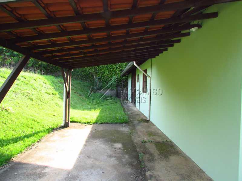 Garagem coberta - Casa em Condominio Para Alugar - Itatiba - SP - Bairro Itapema - FCCN30357 - 9