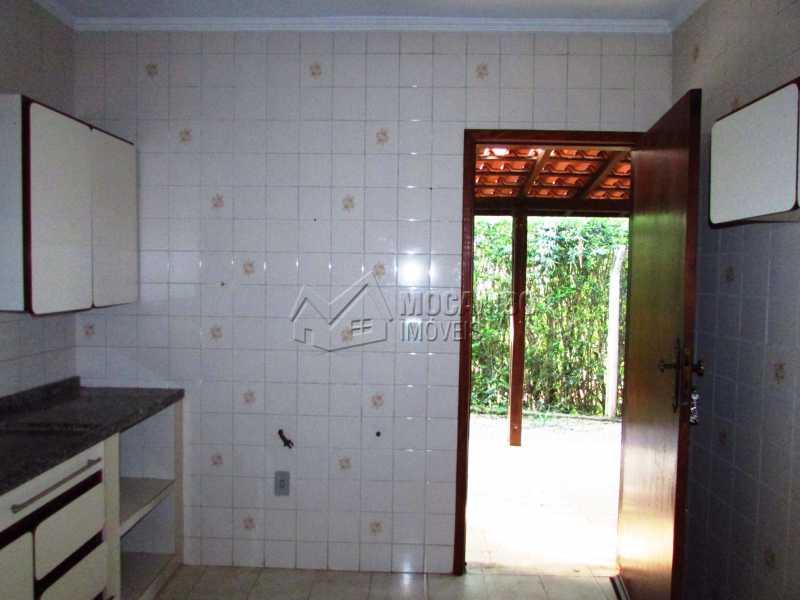 Cozinha - Casa em Condominio Para Alugar - Itatiba - SP - Bairro Itapema - FCCN30357 - 4