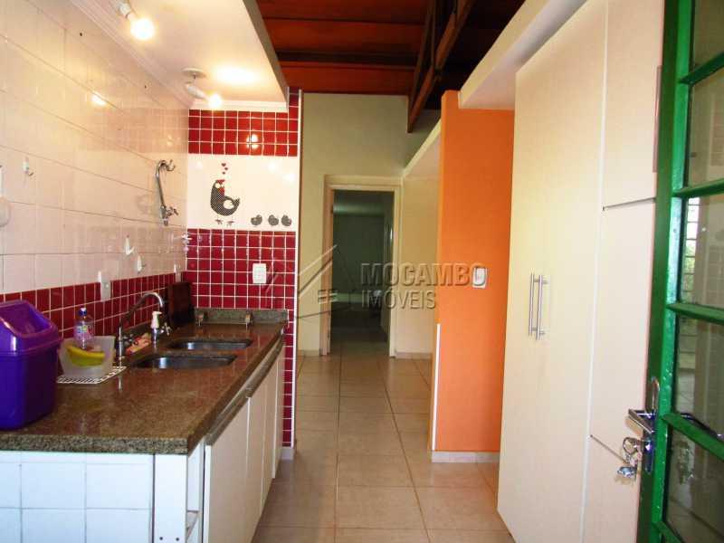 Cozinha - Casa Para Alugar no Condomínio Itaembú - Sítio da Moenda - Itatiba - SP - FCCN30361 - 6