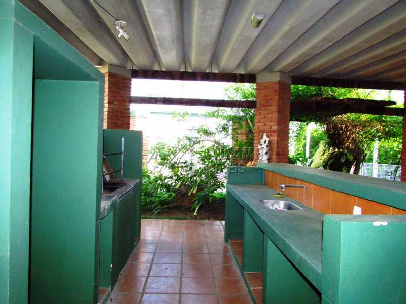 Área gourmet - Casa Para Alugar no Condomínio Itaembú - Sítio da Moenda - Itatiba - SP - FCCN30361 - 16