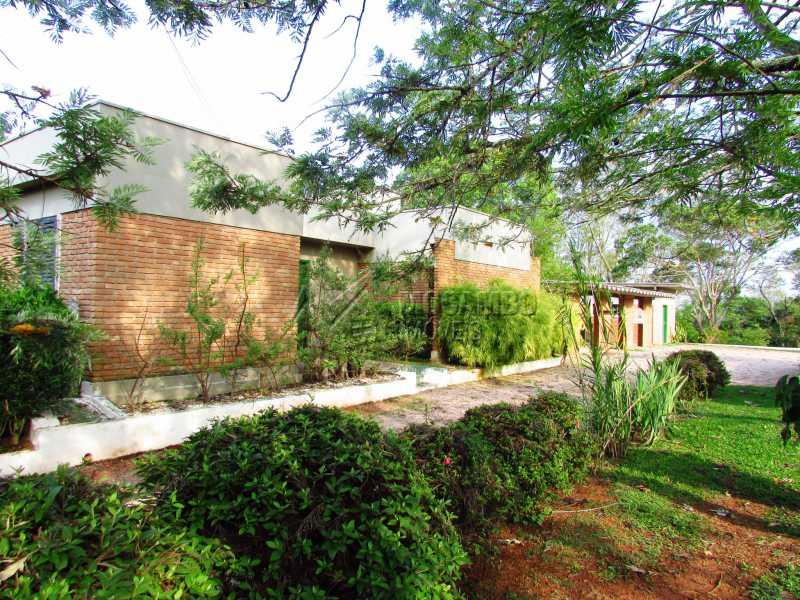 Frente casa de hóspedes - Casa Para Alugar no Condomínio Itaembú - Sítio da Moenda - Itatiba - SP - FCCN30361 - 30