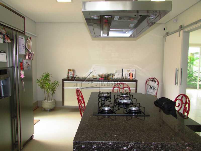 Cozinha - Casa em Condominio Para Alugar - Itatiba - SP - Jardim das Laranjeiras - FCCN30362 - 13