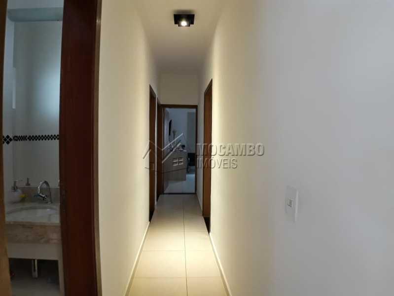 Corredor - Casa em Condominio À Venda - Itatiba - SP - Residencial Fazenda Serrinha - FCCN30365 - 6
