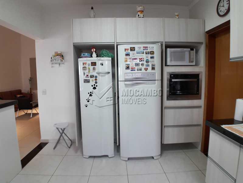 Cozinha  - Casa em Condominio À Venda - Itatiba - SP - Residencial Fazenda Serrinha - FCCN30365 - 14