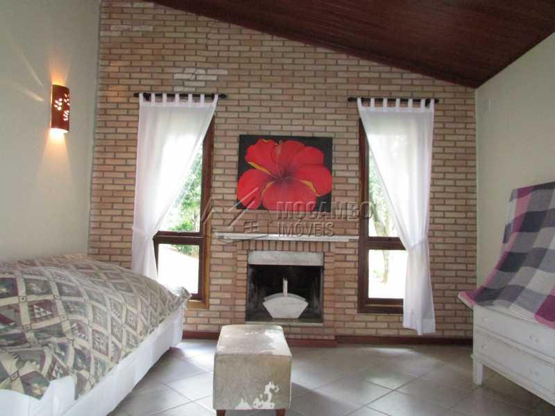 Sala lareira - Casa Para Alugar no Condomínio Itaembú - Sítio da Moenda - Itatiba - SP - FCCN60006 - 6