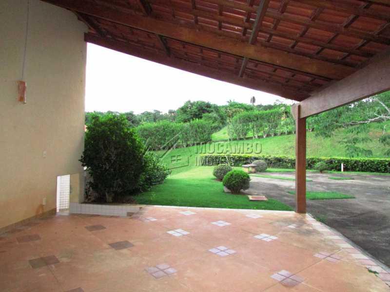 Vagas cobertas - Casa em Condominio Para Alugar - Itatiba - SP - Sítio da Moenda - FCCN60006 - 23