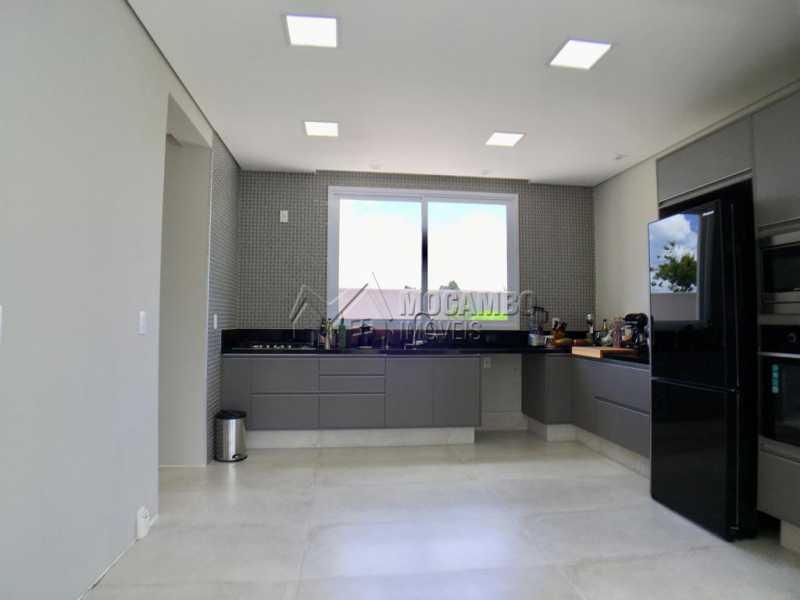 Cozinha - Casa À Venda no Condomínio Reserva Santa Rosa - Jardim Arizona - Itatiba - SP - FCCN30367 - 6