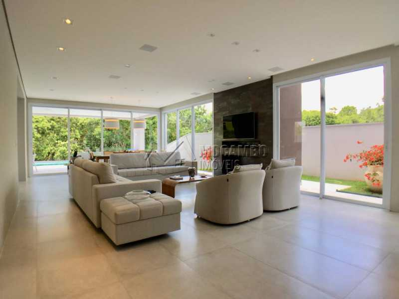 Sala de estar - Casa À Venda no Condomínio Reserva Santa Rosa - Jardim Arizona - Itatiba - SP - FCCN30367 - 3