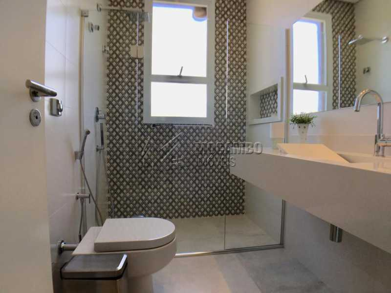 Banheiro suíte - Casa À Venda no Condomínio Reserva Santa Rosa - Jardim Arizona - Itatiba - SP - FCCN30367 - 18