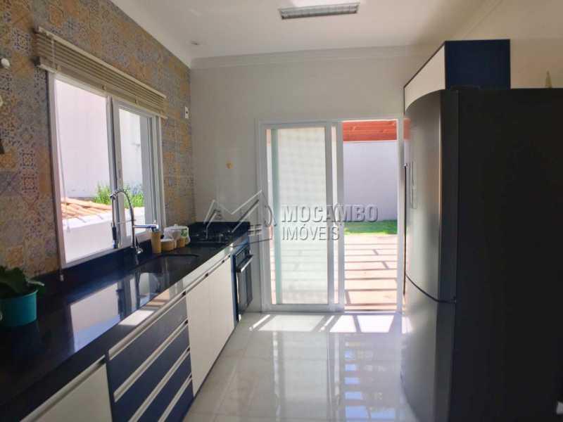 Cozinha  - Casa em Condominio em condomínio À Venda - Condomínio Itatiba Country Club - Itatiba - SP - Residencial Fazenda Serrinha - FCCN30368 - 4