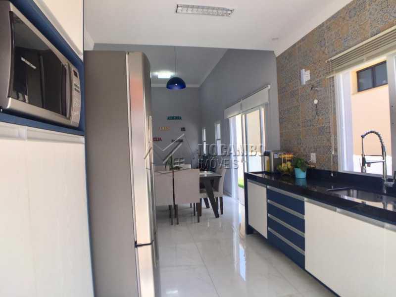 Cozinha  - Casa em Condominio em condomínio À Venda - Condomínio Itatiba Country Club - Itatiba - SP - Residencial Fazenda Serrinha - FCCN30368 - 5