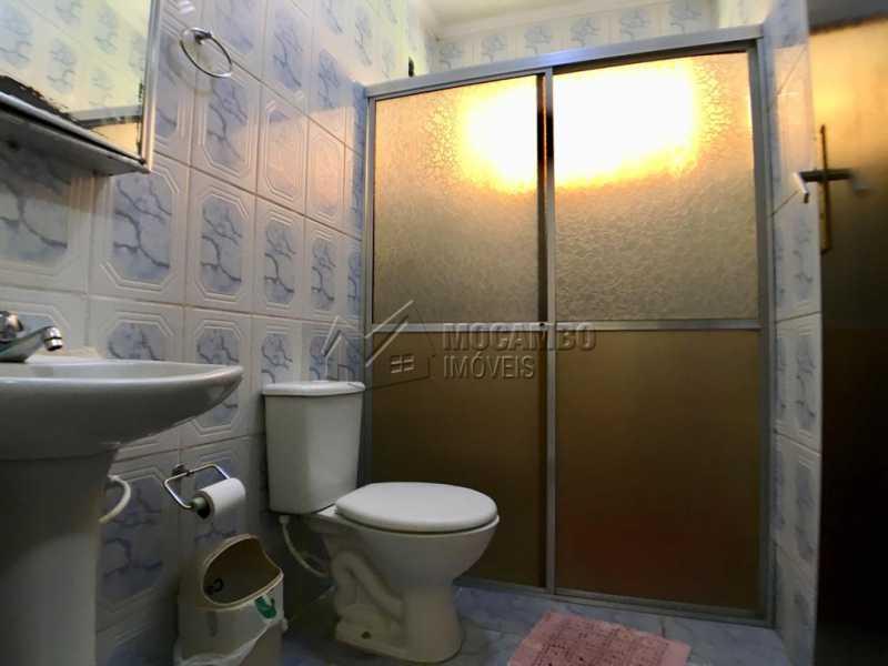Banheiro social - Chácara À Venda - Itatiba - SP - Jardim Leonor - FCCH30109 - 10