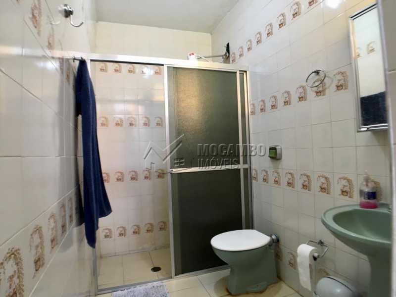 Banheiro suíte - Chácara À Venda - Itatiba - SP - Jardim Leonor - FCCH30109 - 12