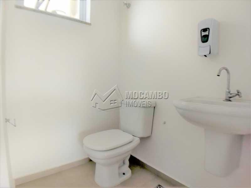 Banheiro Social 01 - Sala Comercial Para Alugar no Condomínio Edifício Office Center - Centro - Itatiba - SP - FCSL00169 - 5