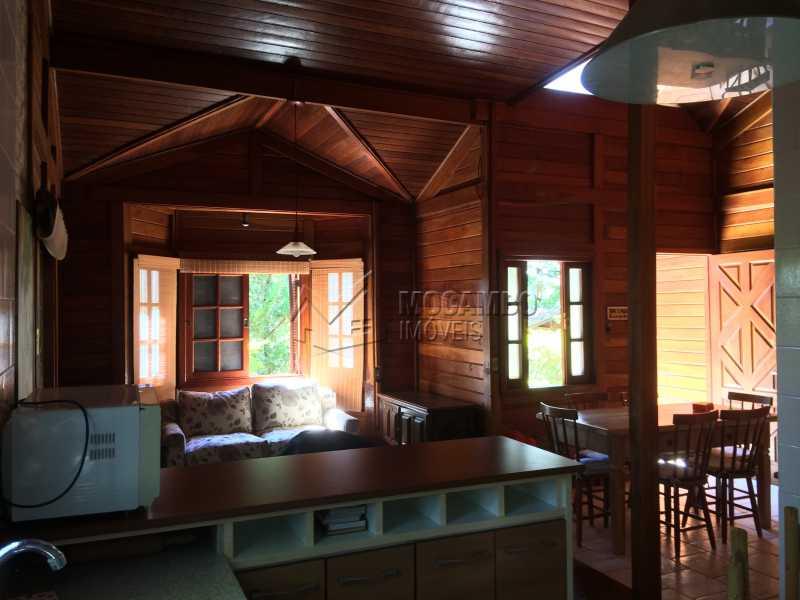 Cozinha/Sala - Casa em Condominio À Venda - Itatiba - SP - Sítio da Moenda - FCCN30372 - 13