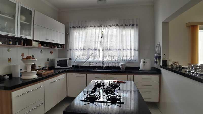 Cozinha  - Casa À Venda no Condomínio Itatiba Country Club - Residencial Fazenda Serrinha - Itatiba - SP - FCCN30373 - 6