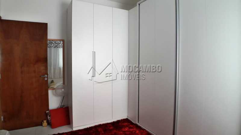 Dormitório 01 - Casa À Venda no Condomínio Itatiba Country Club - Residencial Fazenda Serrinha - Itatiba - SP - FCCN30373 - 9