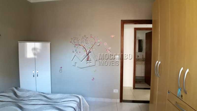 Dormitório 02 - Casa À Venda no Condomínio Itatiba Country Club - Residencial Fazenda Serrinha - Itatiba - SP - FCCN30373 - 10