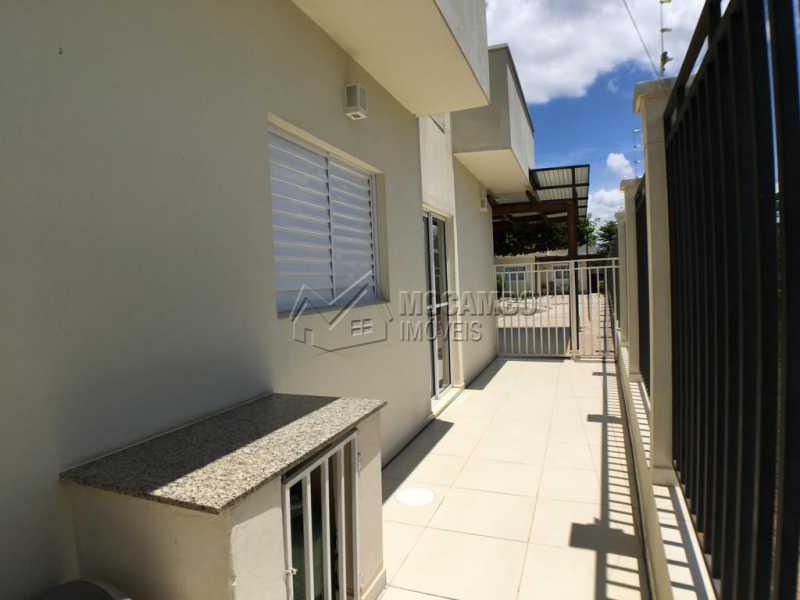 Lateral - Casa em Condominio À Venda - Itatiba - SP - Jardim México - FCCN30374 - 15