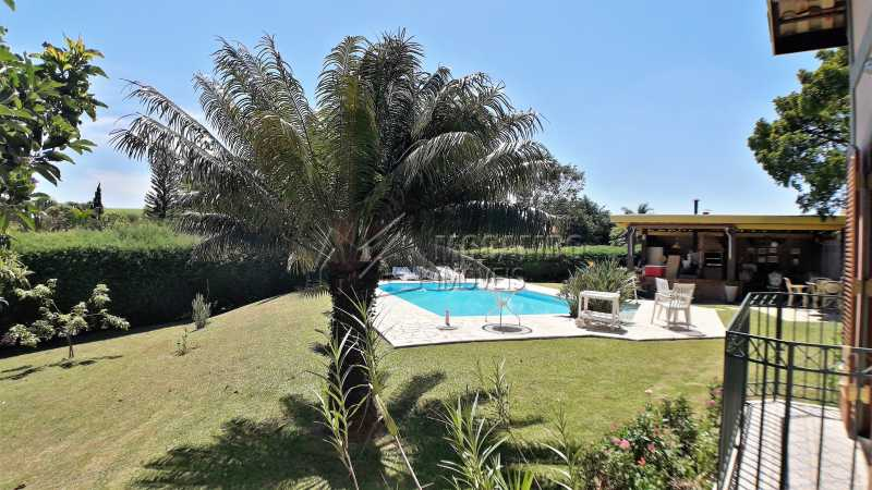 Área Externa - Casa À Venda no Condomínio Ville Chamonix - Jardim Nossa Senhora das Graças - Itatiba - SP - FCCN40126 - 7