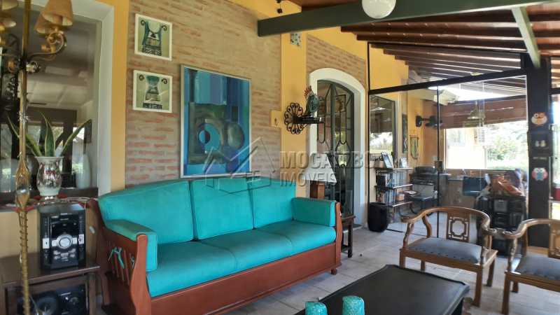 Sala Externa - Casa À Venda no Condomínio Ville Chamonix - Jardim Nossa Senhora das Graças - Itatiba - SP - FCCN40126 - 11