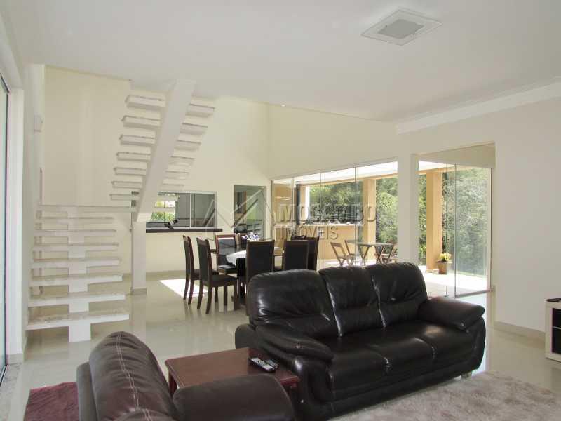 Sala - Casa em Condomínio Villagio Paradiso, Rodovia Romildo Prado,Itatiba, Bairro Itapema, SP À Venda, 4 Quartos, 278m² - CD40010 - 12