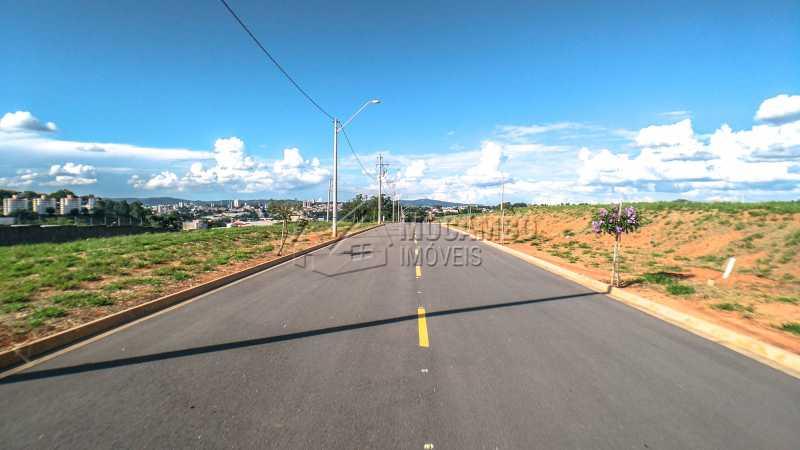 Ruas do Condomínio - Terreno 384m² À Venda Itatiba,SP - R$ 192.000 - FCUF01181 - 7