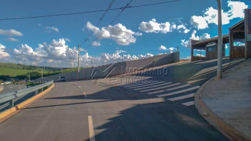 Acesso ao Condomínio - Terreno À Venda - Itatiba - SP - Bairro do Engenho - FCUF01183 - 8