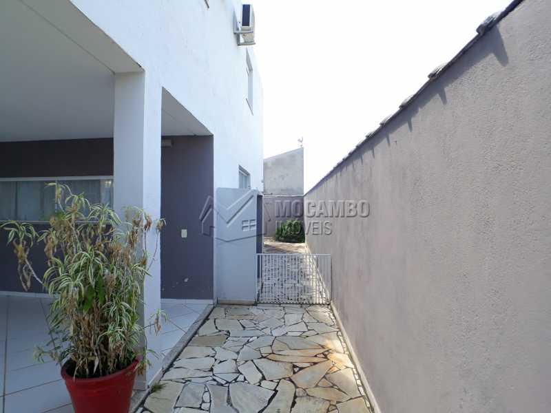 Quintal - Casa em Condominio Para Venda ou Aluguel - Itatiba - SP - Residencial Fazenda Serrinha - FCCN40129 - 16