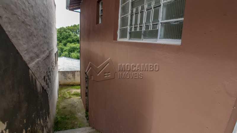 Acesso ao quintal - Casa À Venda - Itatiba - SP - Jardim Virgínia - FCCA31193 - 8