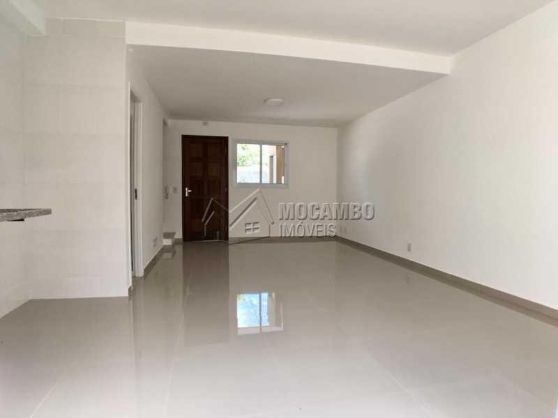 Cozinha / sala - Casa em Condominio À Venda - Itatiba - SP - Loteamento Rei de Ouro - FCCN30390 - 4