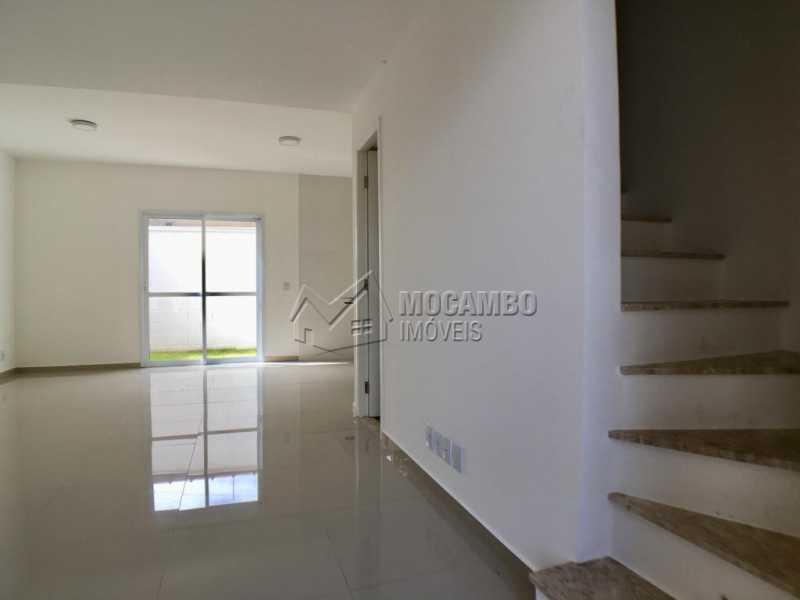 Sala de tv - Casa em Condominio À Venda - Itatiba - SP - Loteamento Rei de Ouro - FCCN30392 - 4