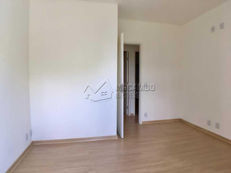 Suíte - Casa em Condominio À Venda - Itatiba - SP - Loteamento Rei de Ouro - FCCN30392 - 12