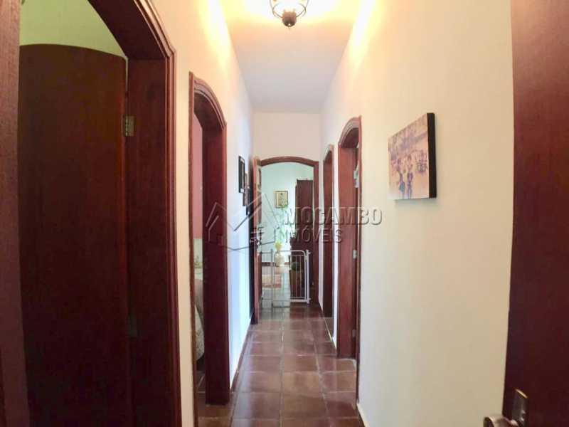 Corredor - Casa em Condominio À Venda - Itatiba - SP - Ville Chamonix - FCCN40130 - 5