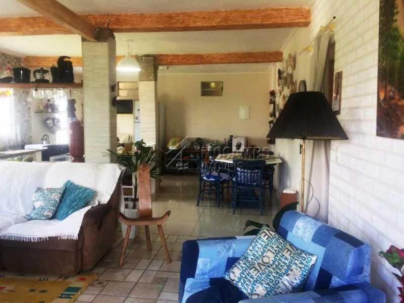 Sala - Casa em Condomínio 2 Quartos À Venda Itatiba,SP - R$ 600.000 - FCCN20028 - 3