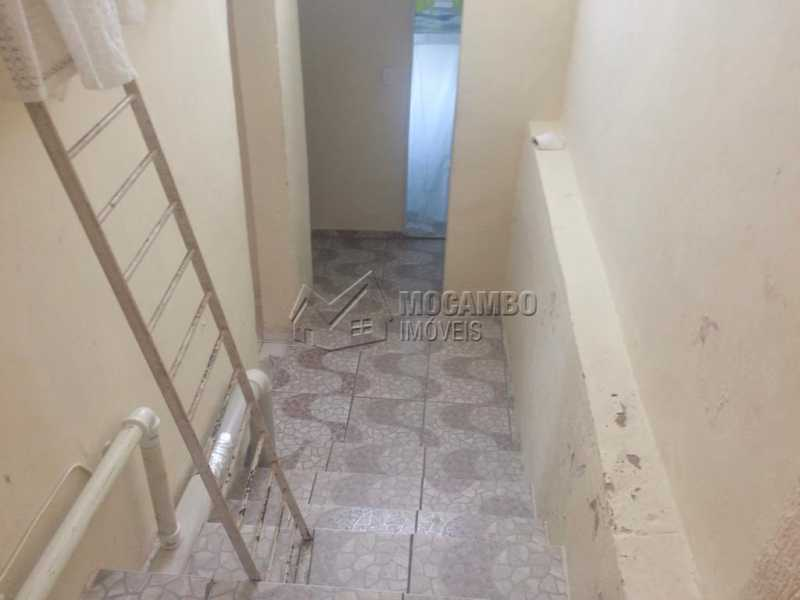 Acesso a casa de baixo - Casa À Venda - Itatiba - SP - Loteamento Parque da Colina I - FCCA31208 - 15