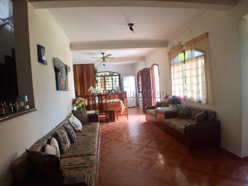 Sala de Estar - Casa em Condomínio 6 Quartos À Venda Itatiba,SP - R$ 830.000 - FCCN60008 - 5