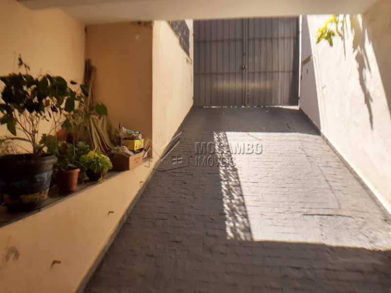 Acesso a Garagem  - Casa Itatiba, Jardim México, SP À Venda, 3 Quartos, 298m² - FCCA31257 - 13