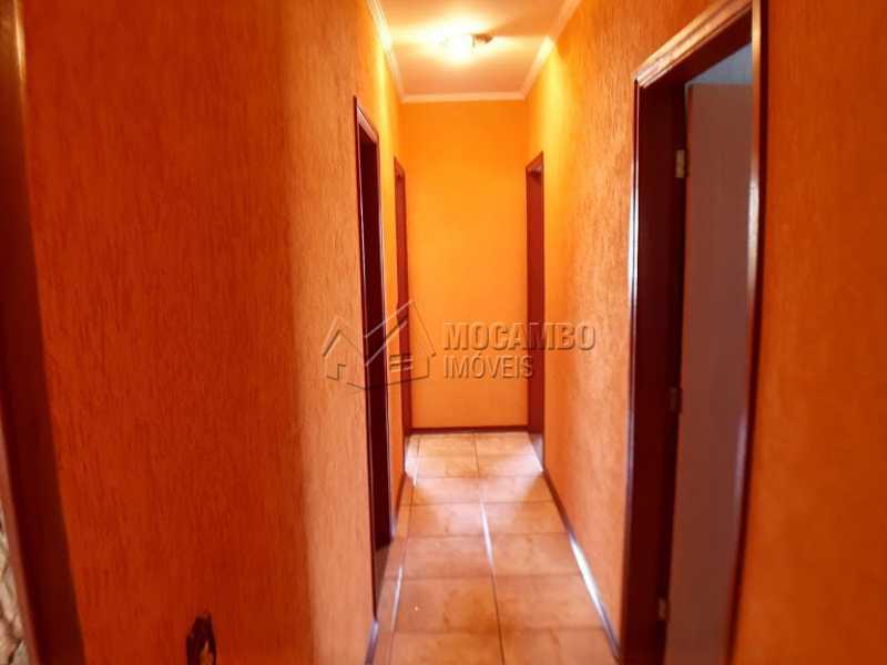 acesso aos Dormitórios  - Casa Itatiba, Jardim México, SP À Venda, 3 Quartos, 298m² - FCCA31257 - 5